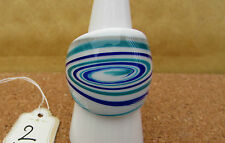 A WHITE WITH BLUE & GREEN SWIRLS MURANO STYLE GLASS RING. UK--P/Q. US--8    (2)