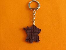 PORTE-CLES 1960-1970 CHOCOLAT POULAIN CARTE DE FRANCE EN TABLETTE DE CHOCOLAT