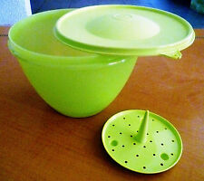 Tupperware Free Ship New Bowl Container w/insert separator and wringer Cap 9 Cup