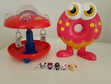 Micro Moshi Monsters nave espacial y Estuche cara Oddie almacenamiento con 6 Figuras. MBC