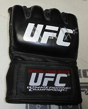 Mark Hunt Signed Official UFC Fight Glove PSA/DNA COA Autograph 200 193 180 144