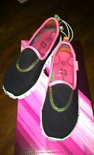 Girls Black Pink Trim Slip-On Skechers Sport Tennis Shoes New Size 1 1/2  Sz 1.5