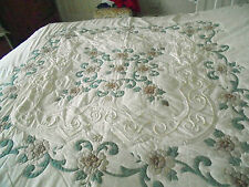 VINTAGE  QUILTED BED COVER FLORAL APPLIQUE  DEEP SPICY SHADE  PELMET  FRILL