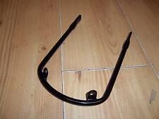 TRIUMPH BONNEVILLE TROPHY T100 T120 FRONT MUDGUARD FENDER STAY BRACKET 97-1681