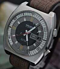 Vintage GRUEN Automatic Compressor 600Ft Stainless Steel Diver's Watch