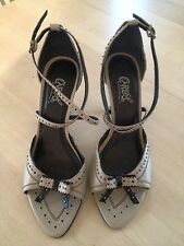 CARLOS BONE WITH BLACK AND SILVER ACCENTS HEELS SHOE SIZE 9.5