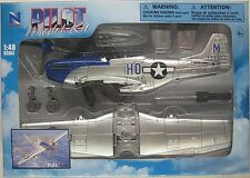 NEWRAY PILOT MODEL KIT - NORTH AMERICAN P-51 MUSTANG 1:48 Scale Fighter-bomber