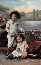 AK Fröhliche Ostern Kinder mit Ostereier Postkarte Fotomontage vor 1945