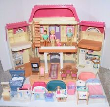 1999 Fisher Price Loving Family Doll House With Furniture, People & Accessories