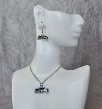 SEATTLE SEAHAWKS LOGO EARRINGS AND NECKLACE SET