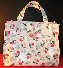 CATH KIDSTON CHERRY BLOSSOM Floral WHITE ZIP TOTE Red Pink HTF London PVC EUC