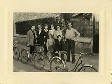 PHOTO ANCIENNE - VINTAGE SNAPSHOT - VÉLO BICYCLETTE GROUPE FAMILLE -BIKE BICYCLE