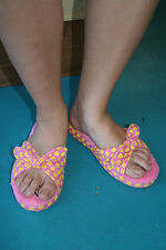 Paul Frank Large Size 9/10 $32 Pink Yellow Apples Tied Knot Slippers 240127015