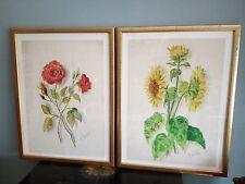 Lot de deux dessins rehaussés de couleur, roses et tournesols. Signés. 42x32 cm.