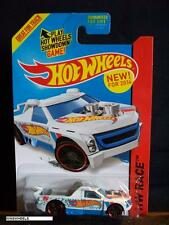HOT WHEELS 2014 #143 -2 FIG RIG WHITE AMER HW RACE