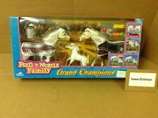 Grand Champions 1997 Empire Feed & Nuzzle White Horse Family 50116  Play Set