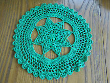ROUND GREEN HAND CROCHET DOILY WITH AN EIGHT STAR CENTER, CIRCA 1930