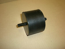 TRIUMPH TR7 ** ENGINE MOUNT RUBBER LH 1975-1977 ** UKC3325