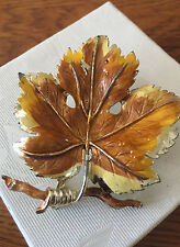 VINTAGE  EXQUISITE LEAF BROOCH -  VINE       - GREAT CONDITION