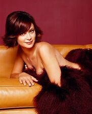 Catherine Bell Unsigned 8x10 Photo (22)