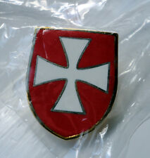 Knights Templar Shield Crusader St George Crusade Cross Pin Badge used Red b/g