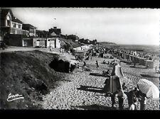 SAINT-PAIR-SUR-MER (50) VILLAS & CABANON de PLAGE animée vers 1950