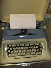 Typewriter manual IMPERIAL SAFARI + cream hard carry case + INSTRUCTIONS CD