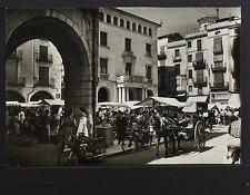 2435.-FIGUERAS -105 Plaza Mayordurante el Mercado (1961)