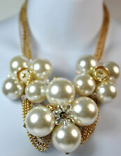 BEAUTIFUL BOLD CHUNKY PEARL WITH SPARKLING STONE FLOWER STATEMENT NECKLACE (SR5)