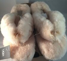 UGG Womens Fluff Flip Flop II Natural 9 NEW IN BOX WITH TAGS