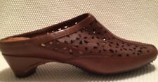 Women's NATURALIZER Brown Leather Slides/clogs Size 8.5W