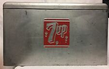 VINTAGE 1950's 7up 7 up ALUMINUM ICE CHEST BOX COOLER ADVERTISING DISPLAY