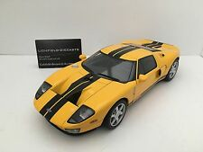 Autoart 1:18 FORD GT40 2004 YELLOW WITH BLACK STRIPE 73022 VERY RARE