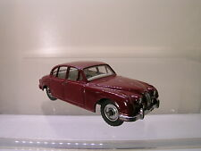 DINKY TOYS UK 195 JAGUAR 3.4 L. MK2 SALOON MAROON 1961 SCALE 1:43