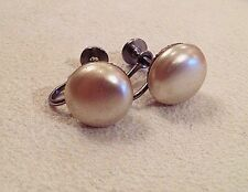 """VINTAGE JEWELRY - 1970s """"Matilda"""" Pearl Button Earrings"""