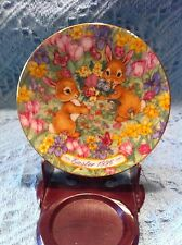 """NEW AVON 1996 PORCELAIN EASTER PLATE COLLECTION """"EASTER BOUQUET"""""""