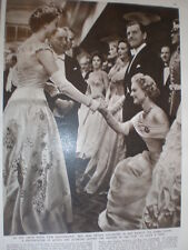 Photo article Queen Elizabeth II with Anna Neagle and Kenneth More 1955