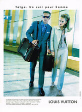 PUBLICITE ADVERTISING 025  1997  LOUIS VUITTON  2    bagages TAIGA homme
