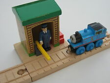 CONDUCTOR SHED  for  Wooden Train Track Set (Brio Thomas)