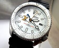 Seiko Custom White Ceramic Donald Duck Automatic Scuba Diver's Date Watch 7002
