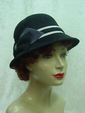 Black & gray cloche 1920s 1930s Gatsby Downton Abbey style felt hat