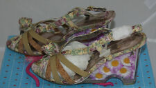 POETIC LICENCE 10  WOMENS SHOES  BUTTER ME UP DAISY FLOWERS IN HEEL