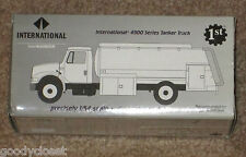 SHELL DIE-CAST METAL TOY INTERNATIONAL 4900 SERIES TANKER TRUCK BRAND NEW