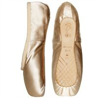 Pink satin Bloch Aspiration pointe shoes
