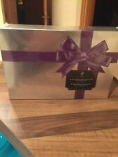 YOUNIQUE Kiss and Tell Bundle Makeup Giftset (Sultry Lipstain & Loyal Lipgloss)