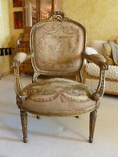 STUNNING HEAVILY CARVED 19C / 20C FRENCH LOUIS 16TH STYLE TAPESTRY BERGERE CHAIR