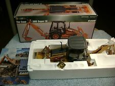ERTL 1/16 CASE 580 SUPER M PRECISION BACKHOE