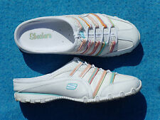 Women;s Skechers Mule shoes Size 10 M White Nice & Clean in very good condition