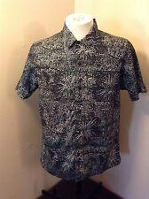 RVCA Mens Button Down Short Sleeve Shirt Sz M EUC Supreme Bape Diamond Supply Co