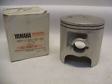 NOS YAMAHA 88R-11631-00-92 PISTON STD BORE EX570